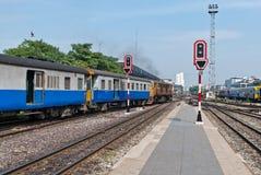 Semáforo de la señal de la estación de tren Foto de archivo libre de regalías