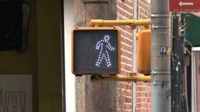 Semáforo en New York City almacen de metraje de vídeo