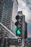 Semáforo verde en la calle del empalme imagen de archivo libre de regalías