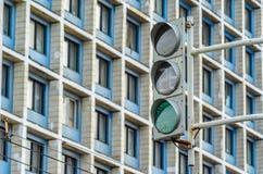 Semáforo verde en la ciudad Imagen de archivo