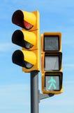 Semáforos de la luz verde y roja Imagen de archivo