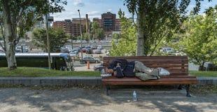Sem abrigo no Champ de Mars (Montreal) fotografia de stock royalty free