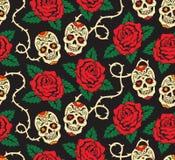Sem emenda com rosas e crânios Fotografia de Stock Royalty Free
