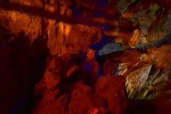 Sem-fins de fulgor em uma caverna em Nova Zelândia Fotos de Stock