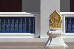Sema ein Umgrenzungsmarker nahe einer Klassifikationshalle des alten Tempels in Thailand Lizenzfreie Stockbilder