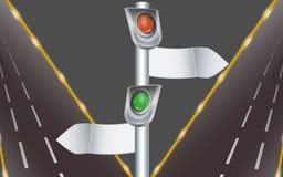 Semafori con gli indicatori e la strada principale di direzione Immagine Stock