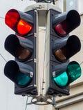 Semafori con rosso e luce verde Fotografie Stock