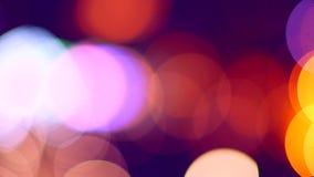 Semafori Defocused di notte come fondo stock footage