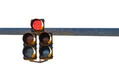 Semaforo montato su rosso leggero di rappresentazione del braccio di palo Fotografia Stock