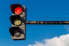 Semaforo su colore rosso Fotografie Stock
