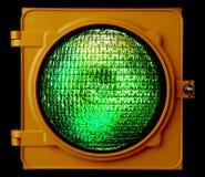 Semaforo verde illuminato Fotografia Stock