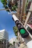 Semaforo verde nella città Fotografie Stock Libere da Diritti