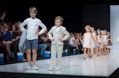 Semaine de mode à Moscou 2017 LA MODE POUR OS ESPAGNE DE ` DES ENFANTS SPAIN/LA MODA PARA NIÃ Photo stock