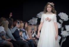 Semaine de mode à Moscou 2017 LA MODE POUR OS ESPAGNE DE ` DES ENFANTS SPAIN/LA MODA PARA NIÃ Images libres de droits