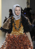 Semaine FW 2017 de mode de New York - collection d'Anniesa Hasibuan Photographie stock