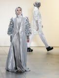 Semaine FW 2017 de mode de New York - collection d'Anniesa Hasibuan Images stock