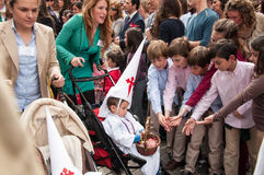 Semana圣诞老人在塞维利亚-孩子请求甜点 图库摄影