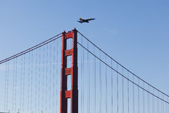 Semana da frota da ponte de porta dourada do avião de combate Fotografia de Stock Royalty Free