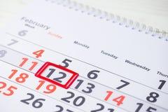 Semana de Maslenitsa o de la crepe 12 de febrero marca en el calendario, cl Imagenes de archivo