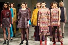 A semana de moda ucraniana AW 2017/18: Coleção de LAKSMI Foto de Stock