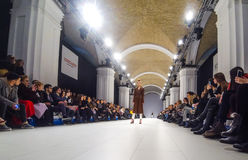 A semana de moda ucraniana AW 17-18 em Kyiv, Ucrânia Imagens de Stock Royalty Free