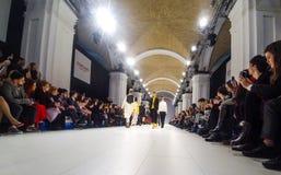 A semana de moda ucraniana AW 17-18 em Kyiv, Ucrânia Foto de Stock