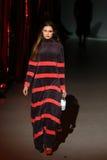 A semana de moda ucraniana: coleção por Oleksiy ZALEVSKIY Imagens de Stock Royalty Free