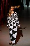 A semana de moda ucraniana: coleção por Oleksiy ZALEVSKIY Fotos de Stock