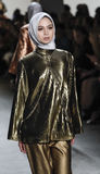 Semana FW 2017 de la moda de Nueva York - colección de Anniesa Hasibuan Imagenes de archivo