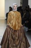 Semana FW 2017 de la moda de Nueva York - colección de Anniesa Hasibuan Fotografía de archivo