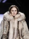 Semana FW 2017 de la moda de Nueva York - Dennis Basso Collection Imagen de archivo libre de regalías