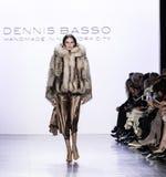 Semana FW 2017 de la moda de Nueva York - Dennis Basso Collection Foto de archivo