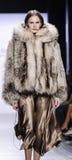 Semana FW 2017 de la moda de Nueva York - Dennis Basso Collection Fotografía de archivo