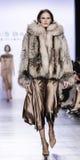 Semana FW 2017 de la moda de Nueva York - Dennis Basso Collection Fotografía de archivo libre de regalías