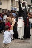 Semana jultomten i Sevilla royaltyfria bilder