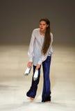39.a semana ucraniana de la moda en Kyiv, Ucrania Foto de archivo