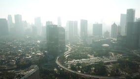 Semanggi桥梁和摩天大楼寄生虫视图  股票录像