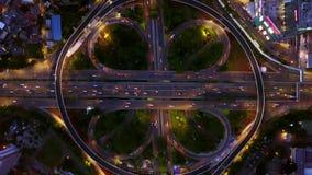 Semanggi路交叉点鸟景色在晚上 股票录像