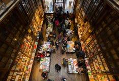 Sembrando Lello Bookstore interno, a Oporto, il Portogallo fotografia stock libera da diritti