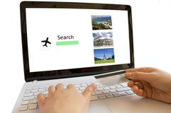 Sembrare i voli online Fotografia Stock Libera da Diritti