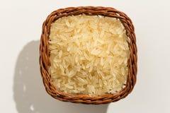 Seme cinese scottato del riso Vista superiore dei grani in un canestro clo Fotografie Stock