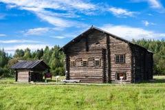 SEMENKOVO, ΡΩΣΙΑ - 14 ΑΥΓΟΎΣΤΟΥ 2016: Ι Ι Δεύτερο μισό σπιτιών Kochkin του δέκατου όγδοου αιώνα στο μουσείο της ξύλινης αρχιτεκτο Στοκ φωτογραφία με δικαίωμα ελεύθερης χρήσης