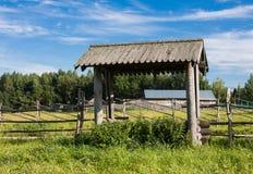 SEMENKOVO, RUSIA - 14 DE AGOSTO DE 2016: museo de la arquitectura de madera, Semenkovo, región de Vologda Rusia Fotografía de archivo libre de regalías