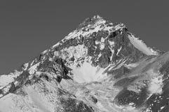 SemenovBashi峰顶3602 m Dombai, Karachay-Cherkessia,俄罗斯 免版税库存图片