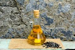 A semente do óleo e de girassol isolou sementes foto de stock