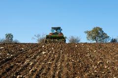 Sementes da sementeira do trator agrícola Imagem de Stock Royalty Free