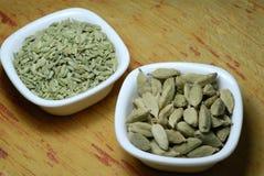Sementes do cardamomo e de erva-doce Fotografia de Stock Royalty Free