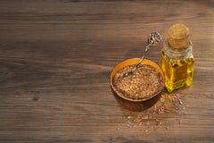 Sementes e óleo de linho imagem de stock