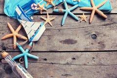 semester för paraply för sky för bakgrundsstrand blå färgrik Arkivbilder