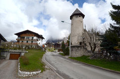 semesterort för berg för ampezzocortina D royaltyfri foto